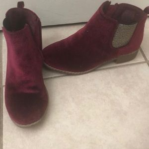 Ankle Booties burgundy /maroon color